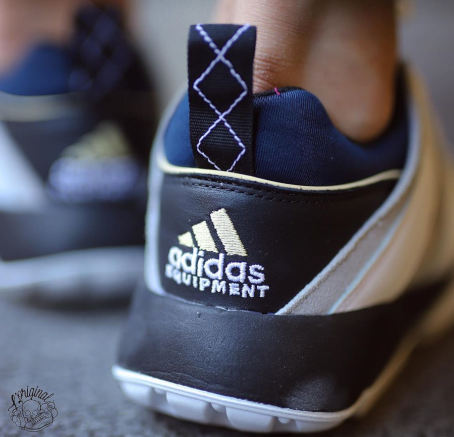 Adidas Equipment Cushion 95 retro 2019 blanche grise et noire (2)