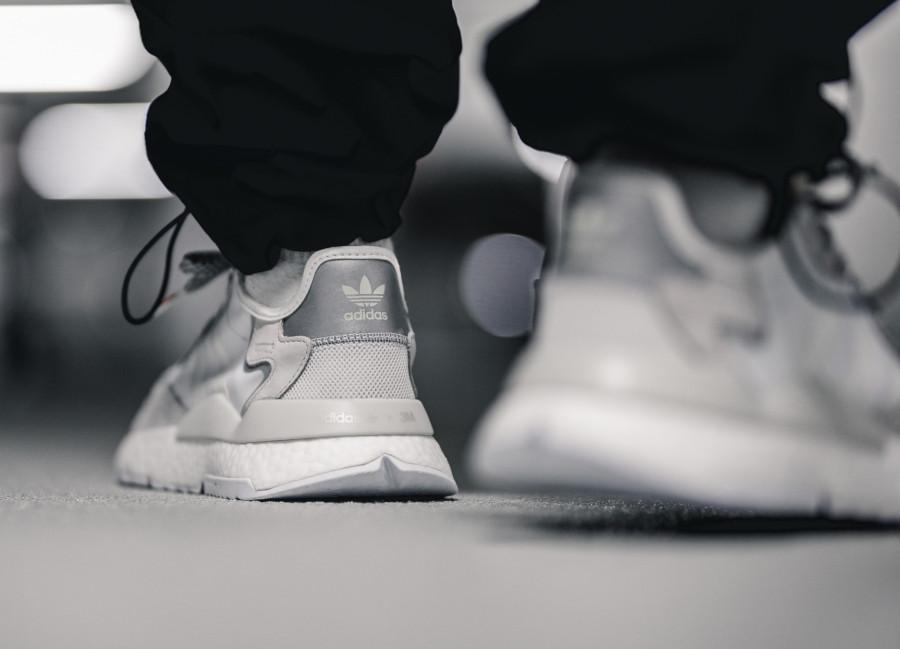 Adidas-Nite-Jogger-blanche-et-gris-argent-EE5855-2