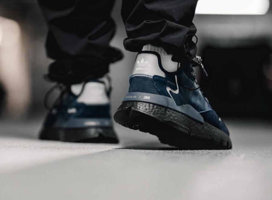 Adidas-Nite-Jogger-bleu-marine-et-noire-EE5858-3