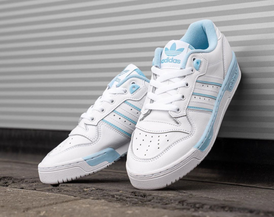 Adidas Rivalry Lo blanche et bleu pastel EE5932 (1)