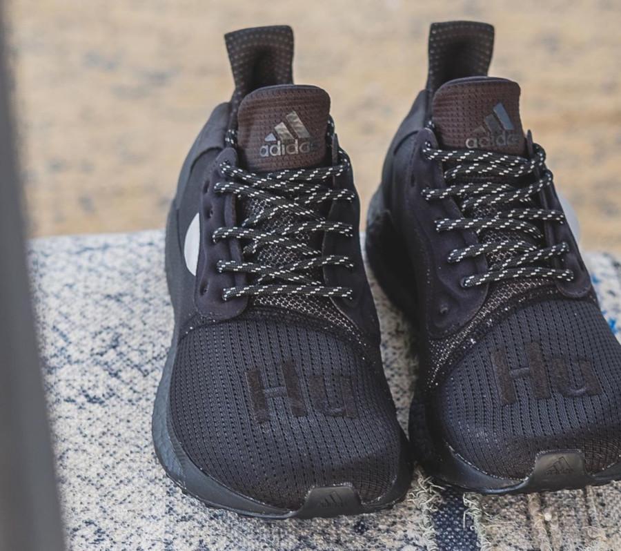 Adidas Solarhu Boost noire EG7788 (2)