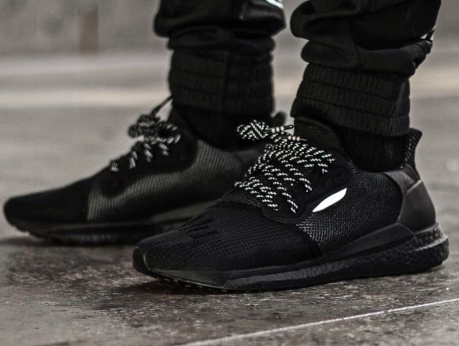 Adidas Solarhu Boost noire EG7788 (3)