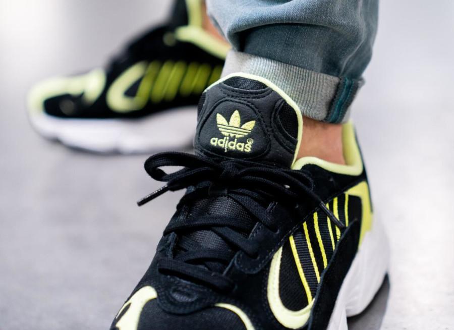 Adidas Yung-1 noire et jaune fluo (3)