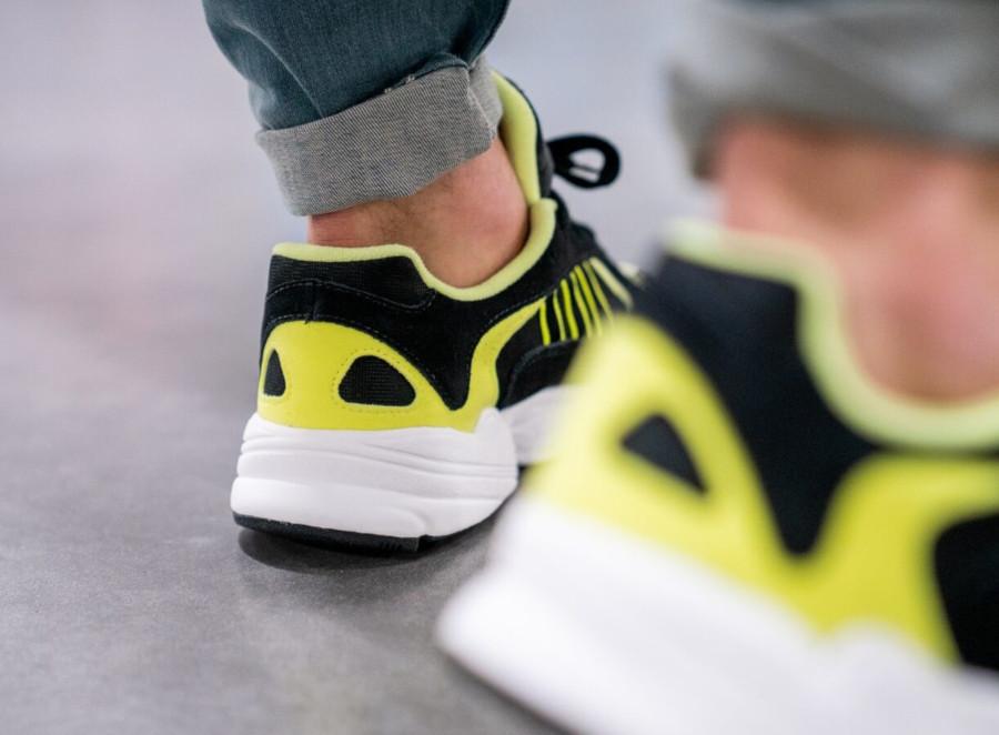 Adidas Yung-1 noire et jaune fluo (4)