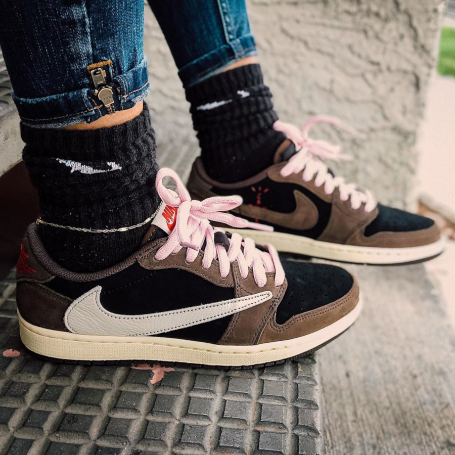 Air Jordan 1 Low Travis Scott - @avilla.kickz