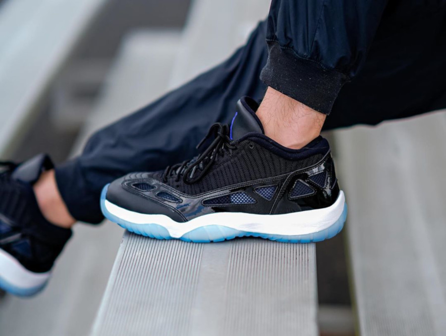 Air Jordan 11 IE Low Black Dark Concord (3)