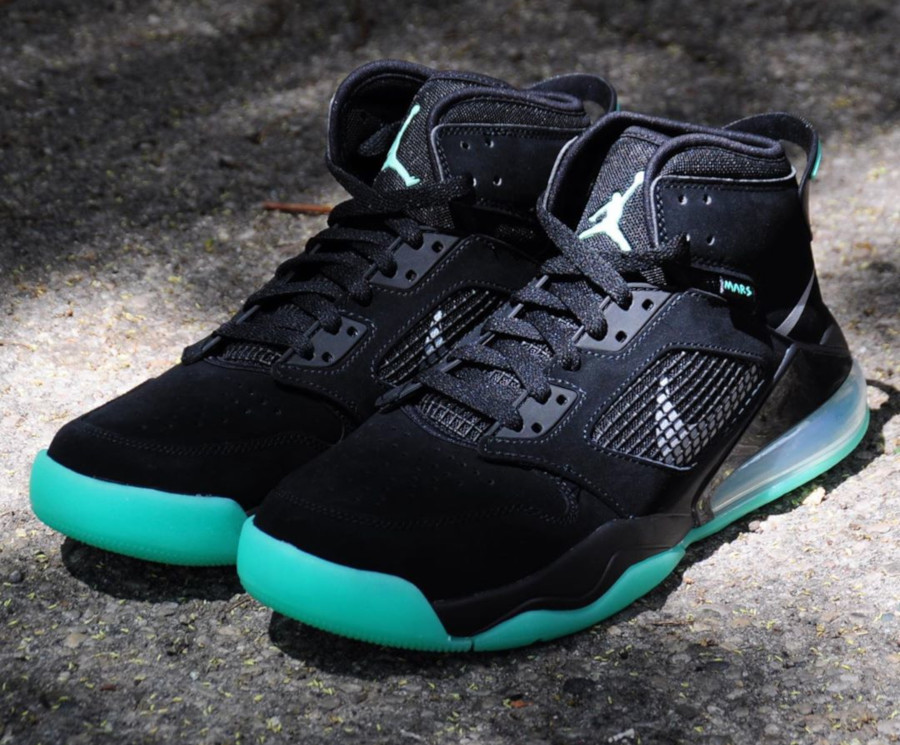 Jordan Mars 270 noire et verte (3)