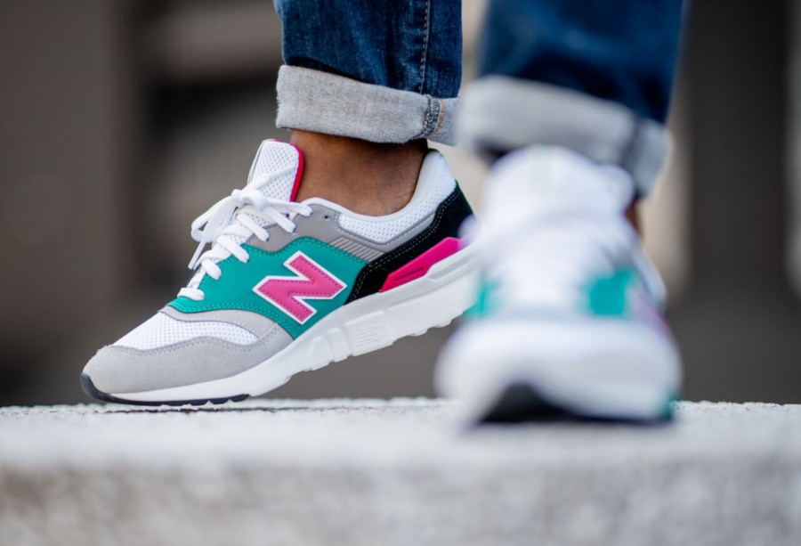 New Balance CM997H blanche grise turquoise et rose (2)
