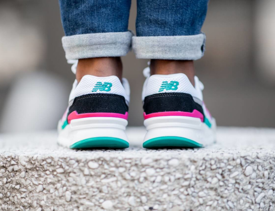 New Balance CM997H blanche grise turquoise et rose (3)