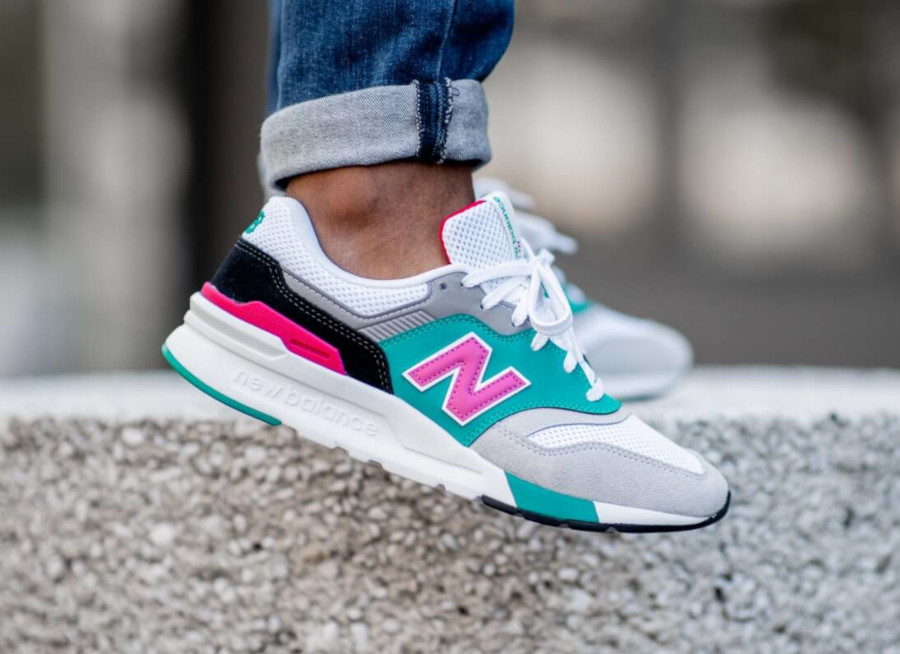 New Balance CM997H blanche grise turquoise et rose (4)