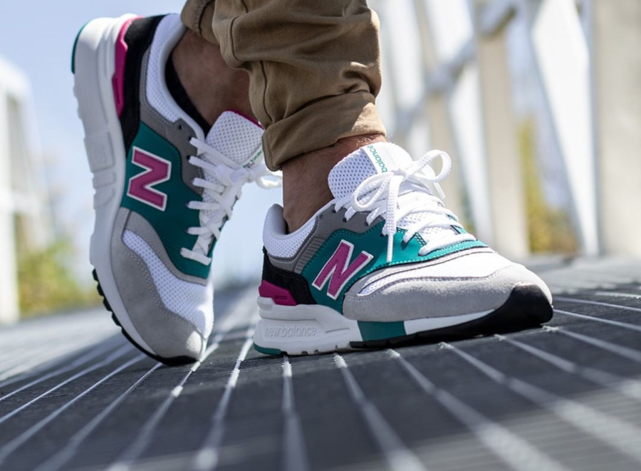 New Balance CM997H blanche grise turquoise et rose (6)