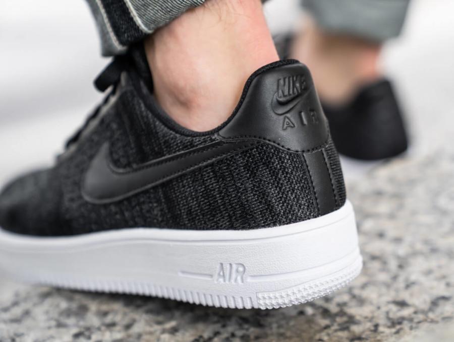 Nike Air Force 1 Low Flyknit 2019 noire et blanche (1)