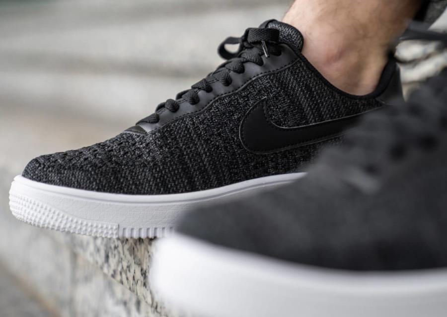 Nike Air Force 1 Low Flyknit 2019 noire et blanche (2)