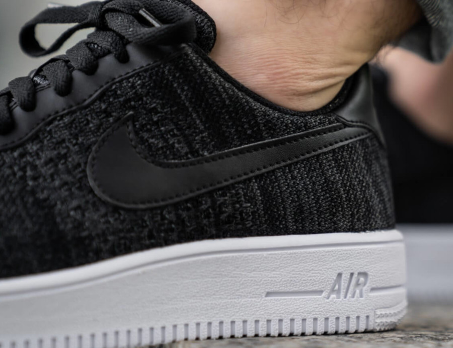 Nike Air Force 1 Low Flyknit 2019 noire et blanche (3)