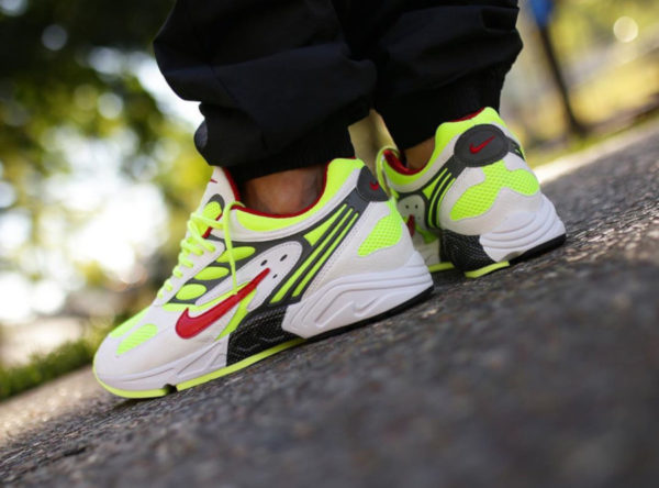 Nike Air Ghost Racer OG Neon Yellow 2019 AT5410-100