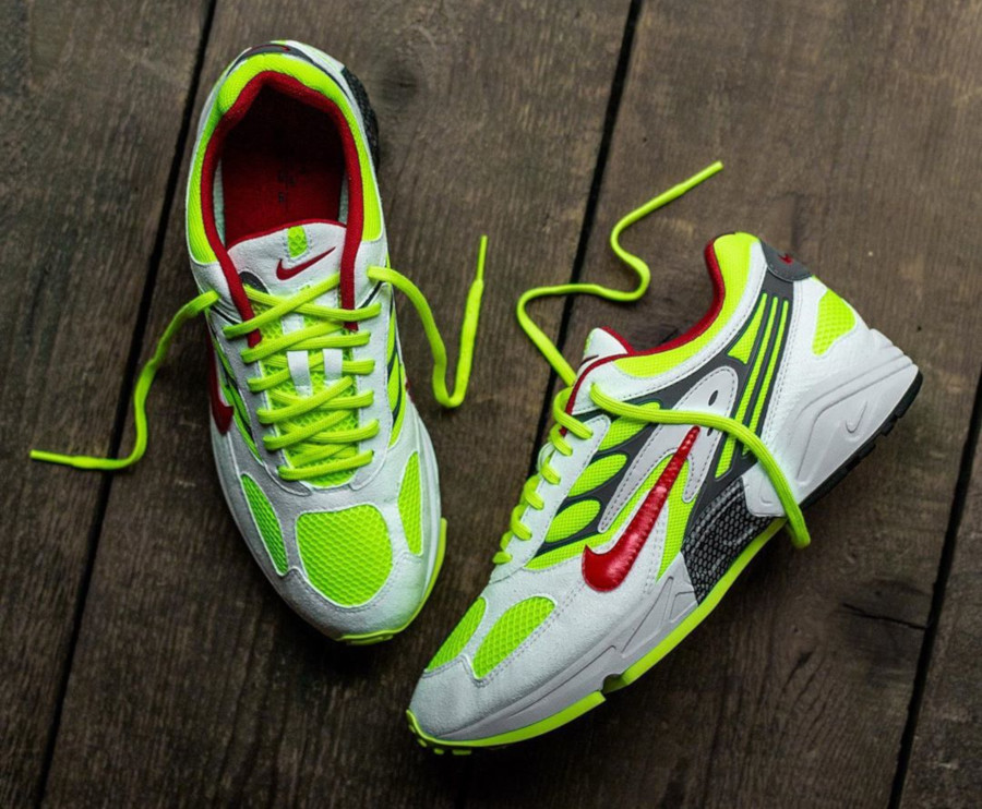 Nike Air Ghost Racer blanche jaune fluo et rouge (1)
