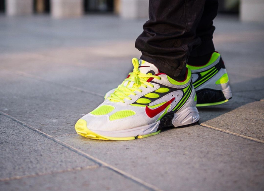 Nike Air Ghost Racer blanche jaune fluo et rouge (5-1)