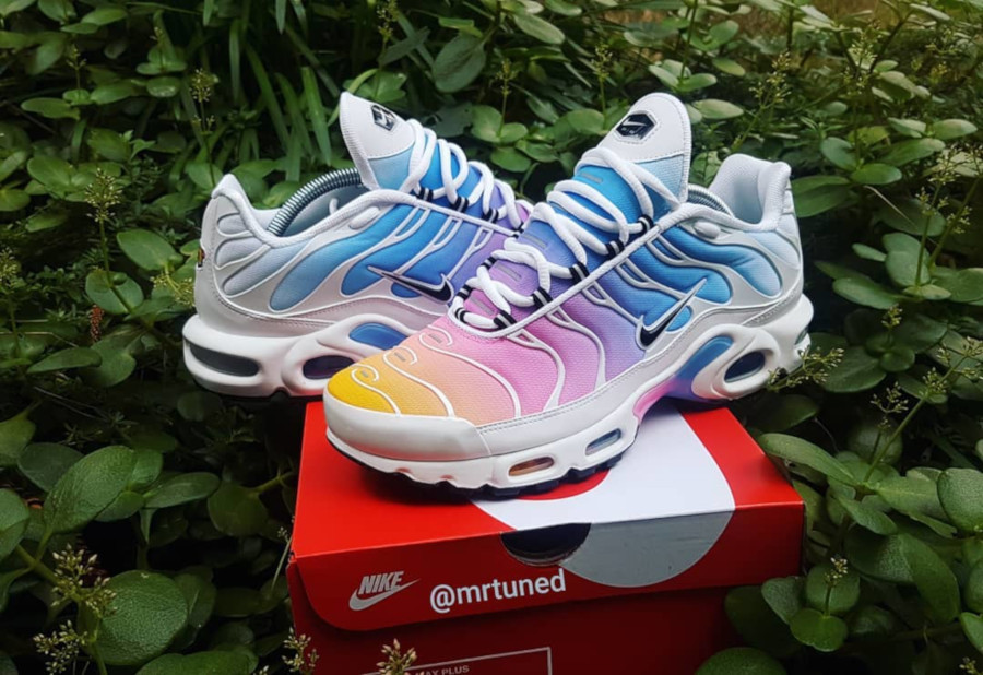 Nike Air Max Plus Metallic bleu ciel rose et orange (1)
