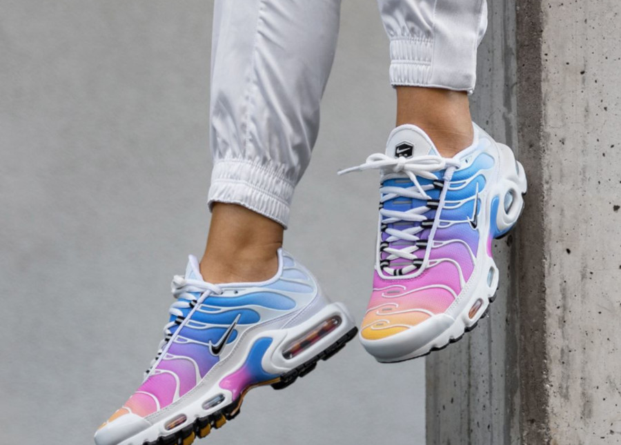 Nike WMNS Air Max Plus (white multicolor) 605112 115 | 43einhalb Sneaker Store