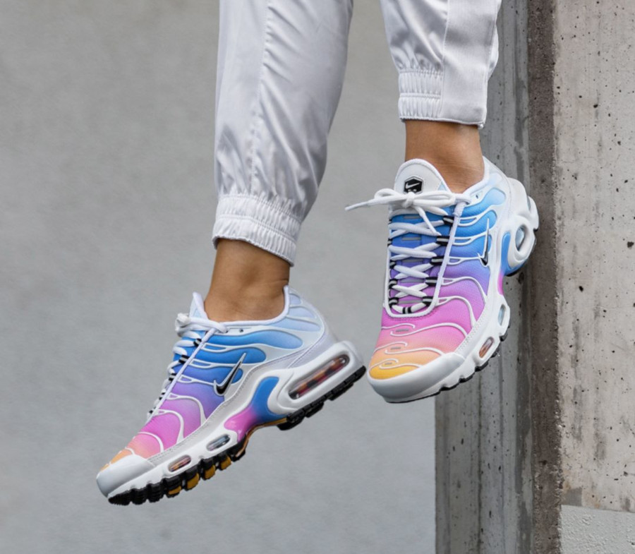 Nike Air Max Plus Pastel Rainbow Gradient 605112-115