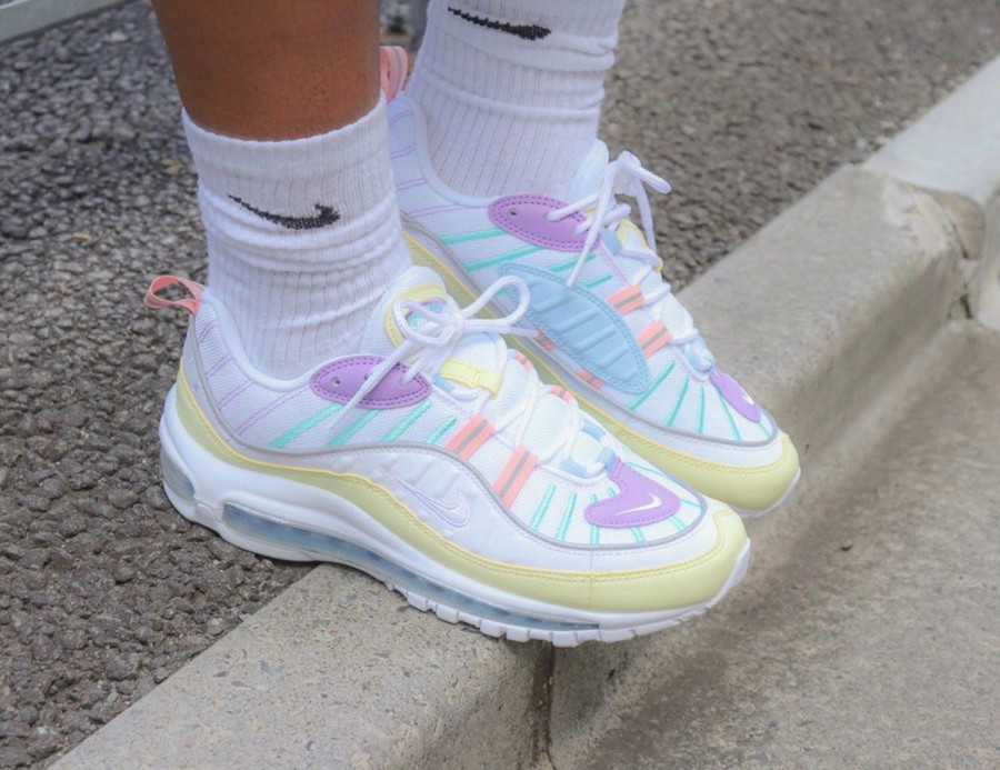 Nike Wmns Air Max 98 Egg Easter Pastel AH6799-300