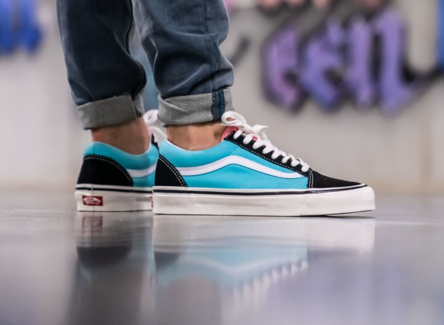 https://www.sneakers-actus.fr/wp-content/uploads/2019/07/Vans-Old-Skool-noire-bleu-aquatique-et-rose-VN0A38G2VPJ-3.jpg