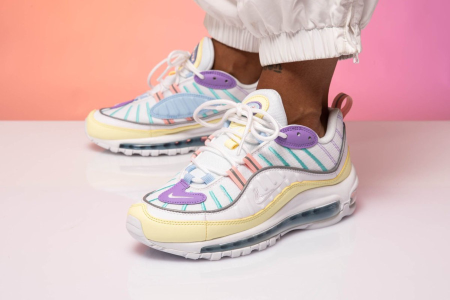 Faut acheter la Nike Wmns Air Max 98 Egg Easter Pastel