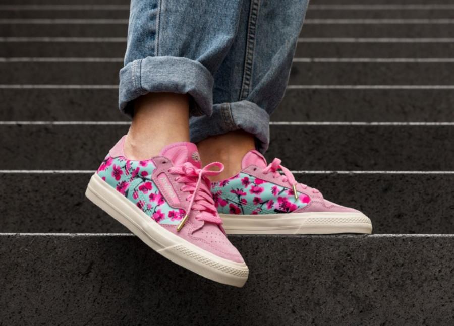 Adidas-Continental-Vulc-rose-avec-des-fleurs-EG7977-2