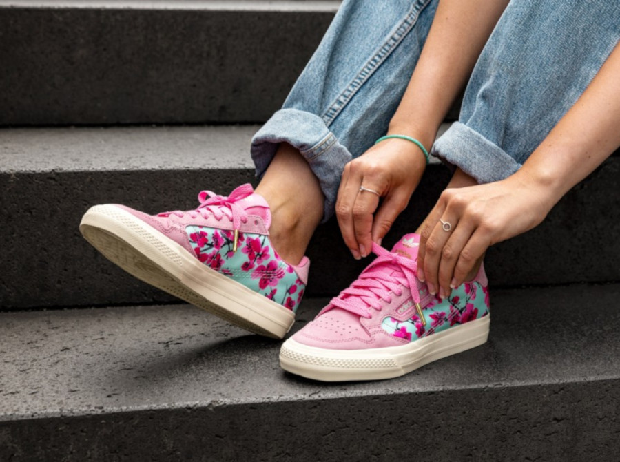 Adidas-Continental-Vulc-rose-avec-des-fleurs-EG7977-3
