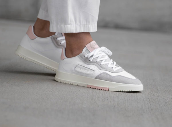 sneakers femme Archives | Page 5 sur 33 | Sneakers actus