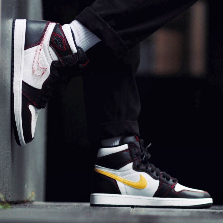 Air Jordan 1 Retro High OG Tour Yellow Black White Red (1)