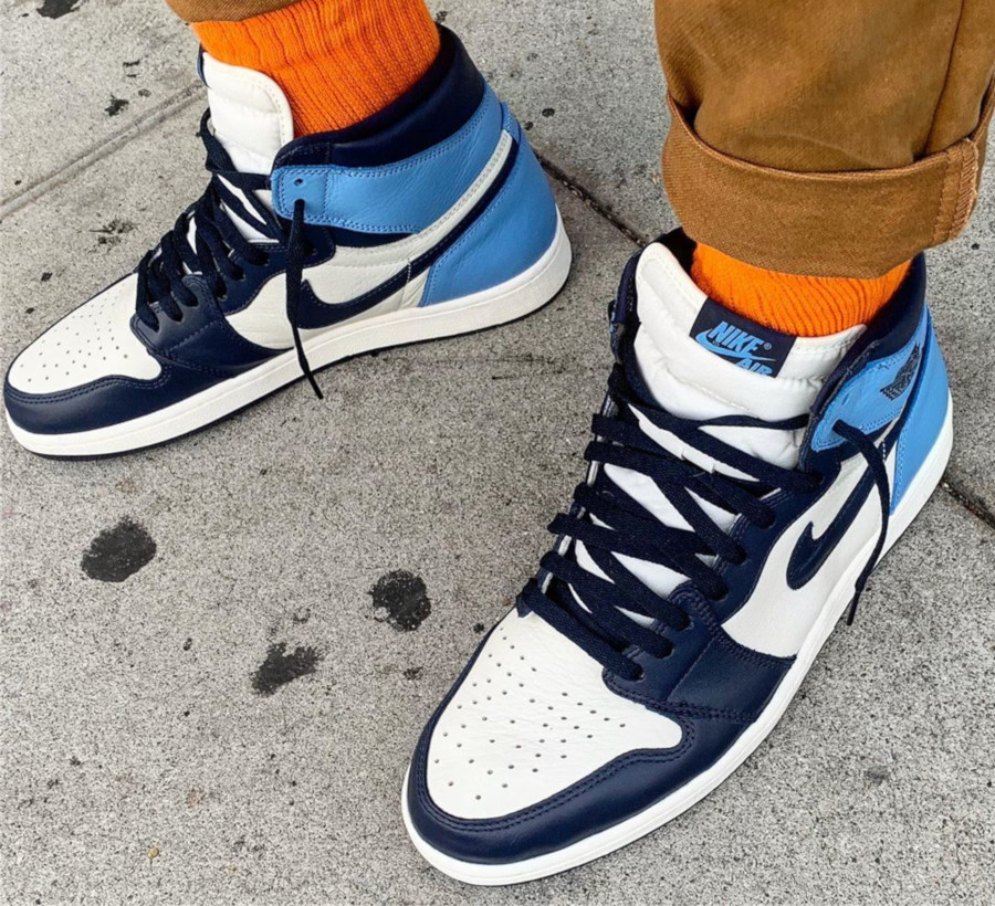 Air Jordan 1 Retro High OG UNC Obsidian 555088-140 (1)
