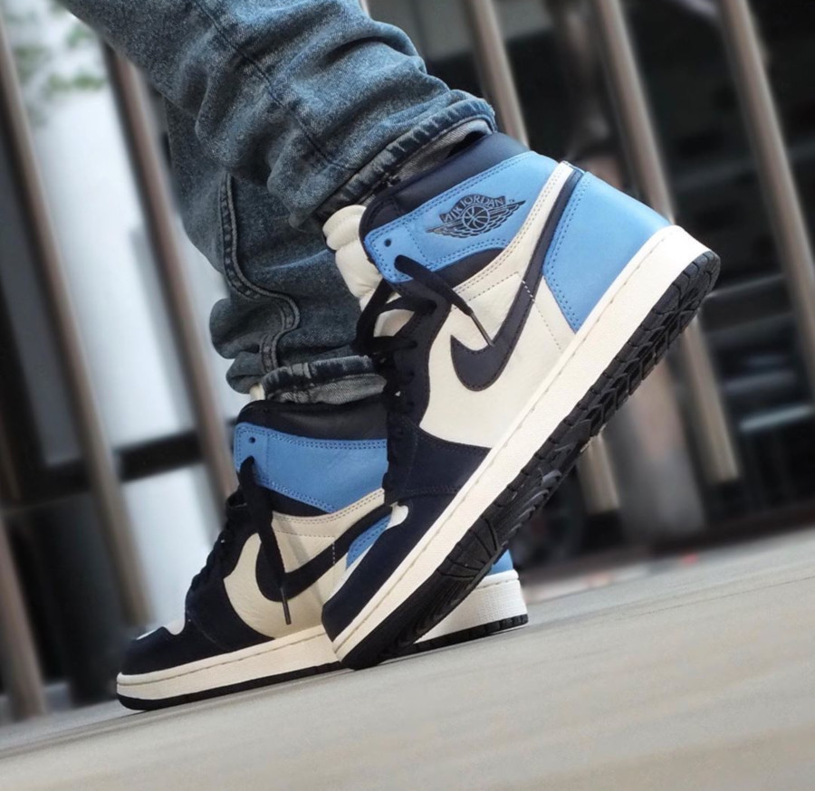 Air Jordan 1 UNC Obsidian Retro High OG 555088-140