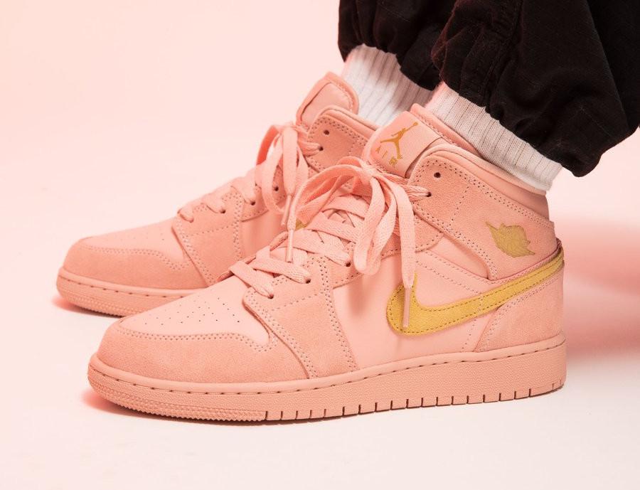 Air Jordan 1 mi montante rose et jaune doré (5)