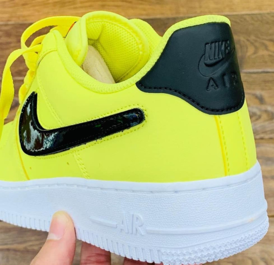 Nike Air Force 1 jaune avec un Swoosh interchangeable (3)