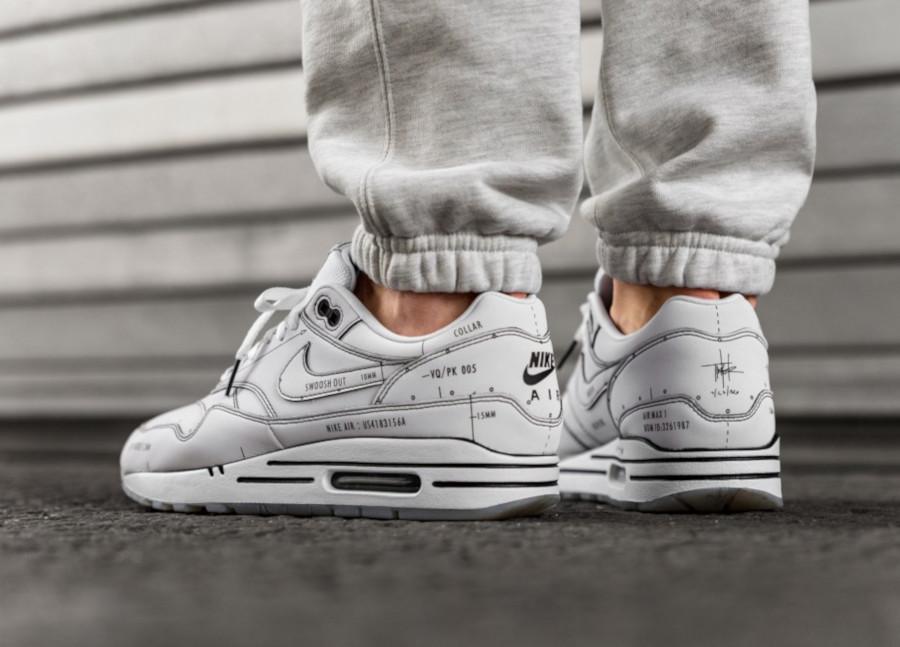 Nike-Air-Max-1-blanche-et-noire-style-croquis-3-4
