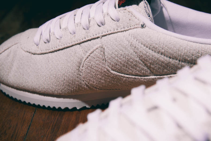 Nike Cortez blanc cassé CJ6107-100 (1)