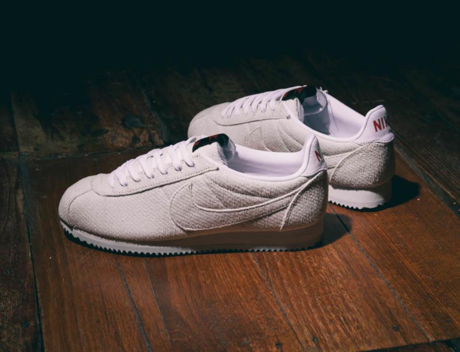 Nike Cortez blanc cassé CJ6107-100 (2)