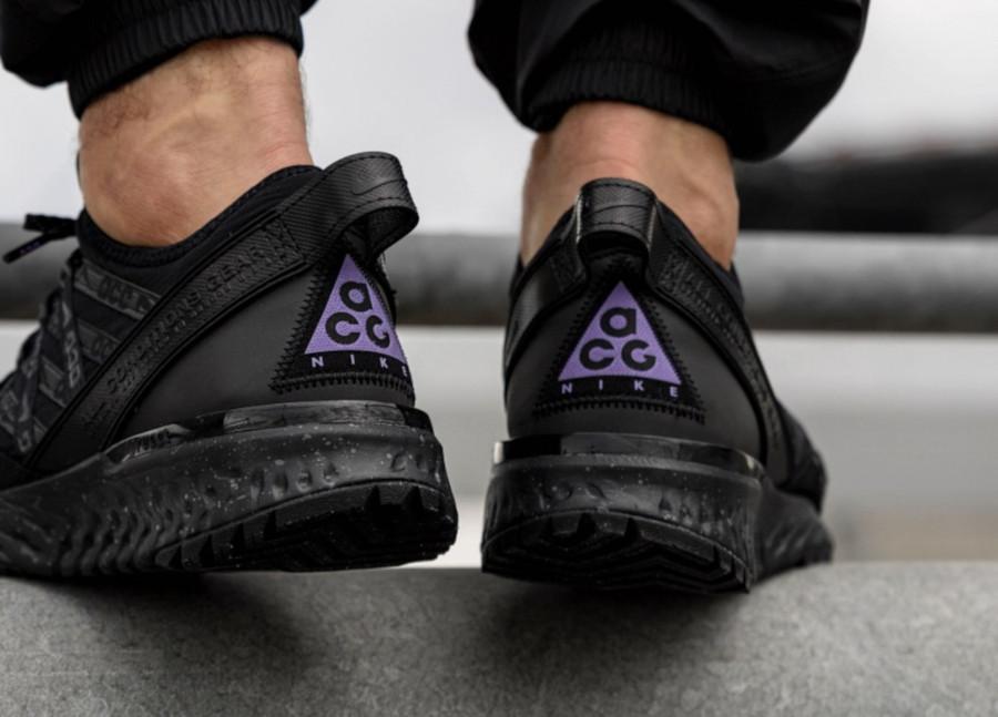 Nike-React-Terra-Gobe-noire-grise-et-violet-1