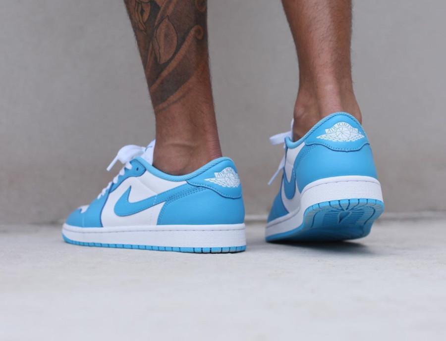 Nike SB x Air Jordan 1 Low blanche et bleu ciel on feet (1)