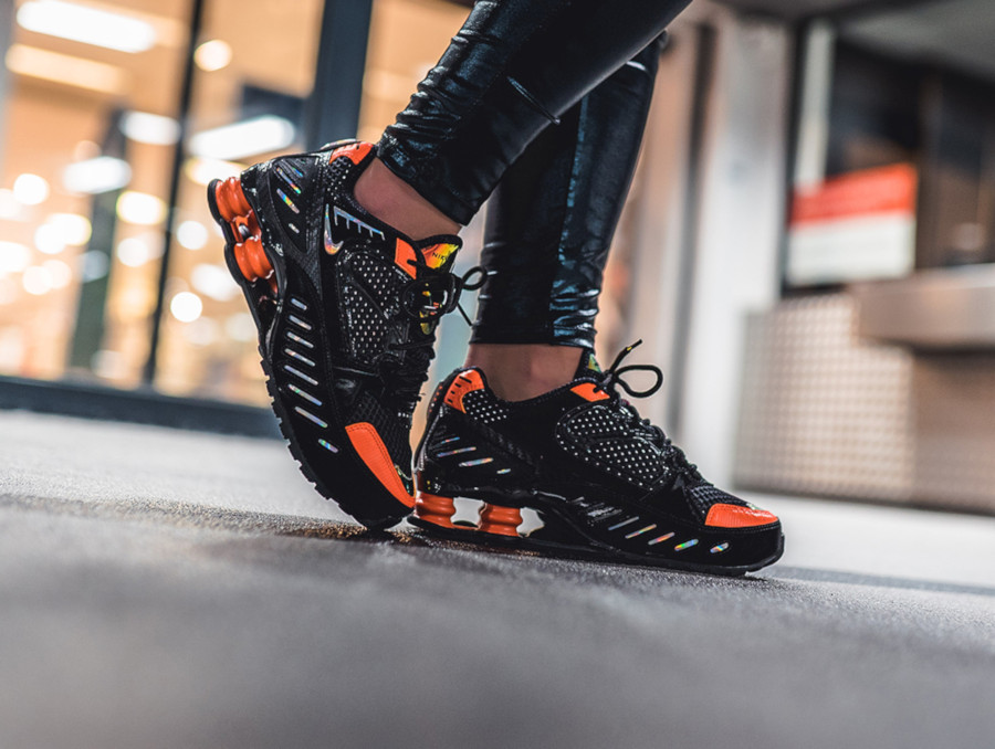 Nike Shox Enigma 9000 noire et orange CK2084 001 (2)