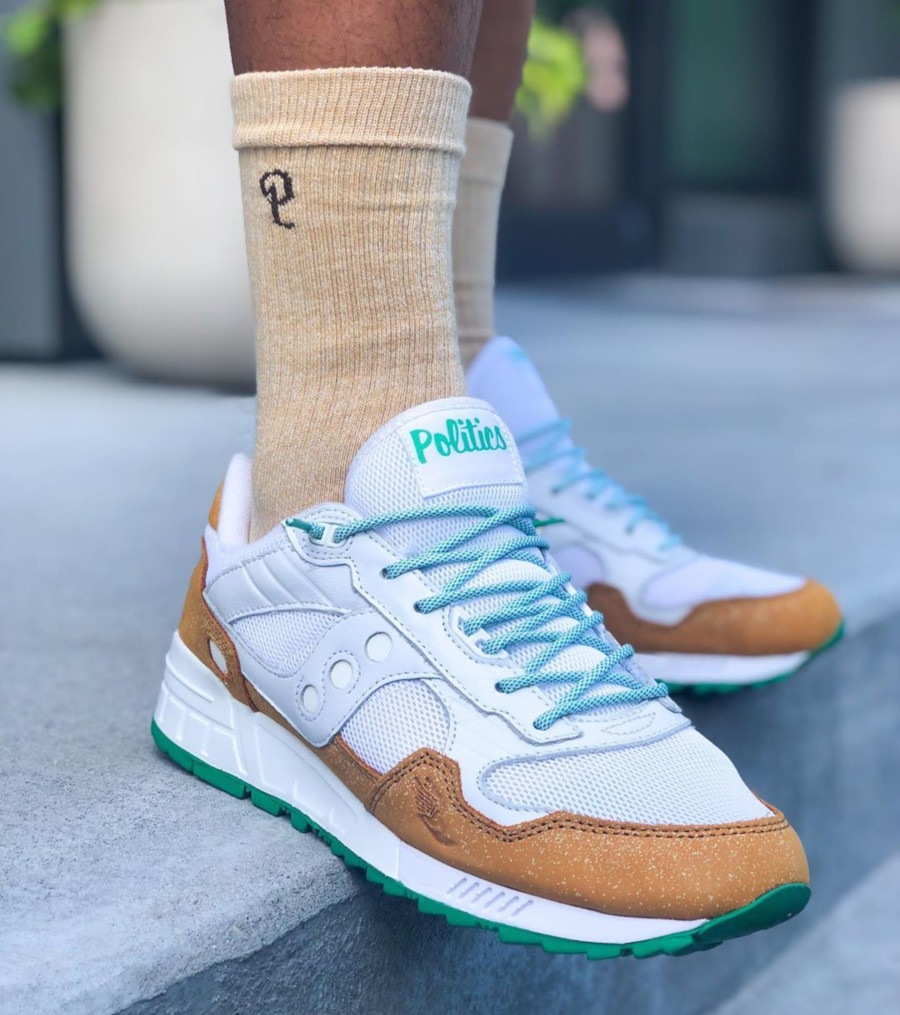 Sneakers Politics x Café du Monde x Saucony Shadow 5000 Powdered Sugar (friends and family) - @mando_jackson