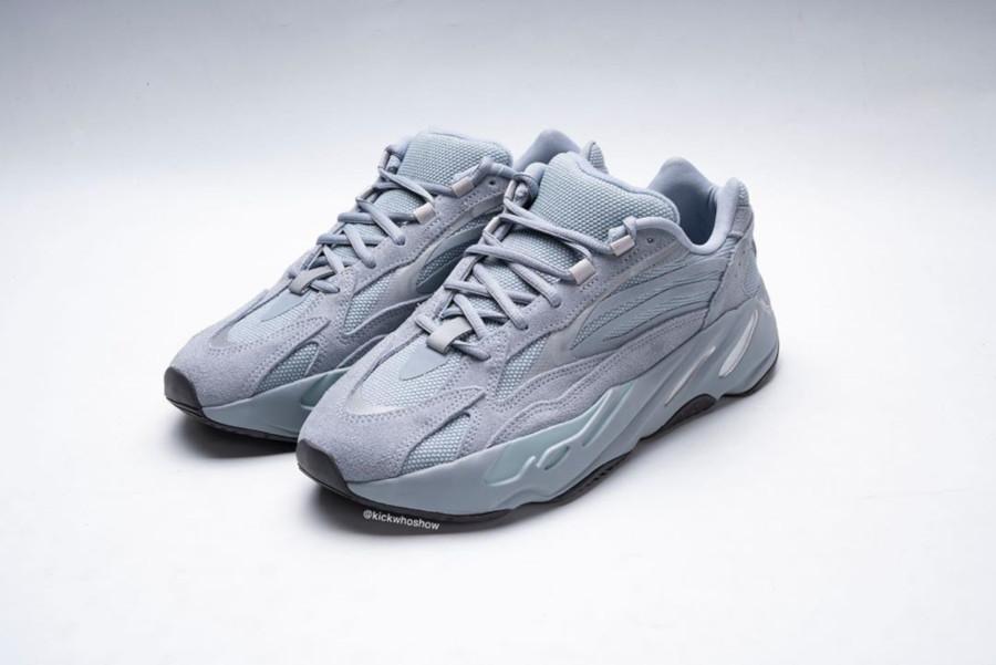 Adidas Yeezy 700 Boost bleue et en suède gris (1)