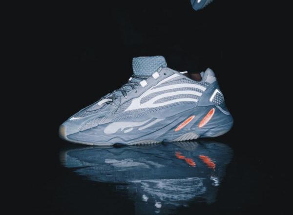 Adidas Yeezy 700 boost V2 Inertia 3M FW2549