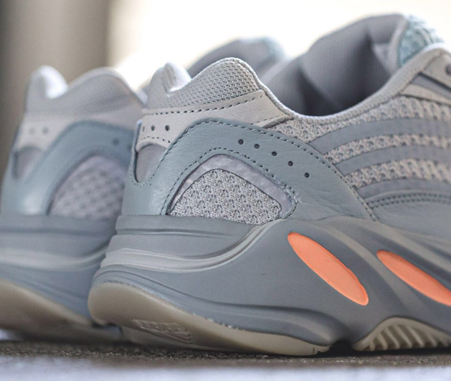 Adidas Yeezy boost 700 version 2 grise et orange (4-1)