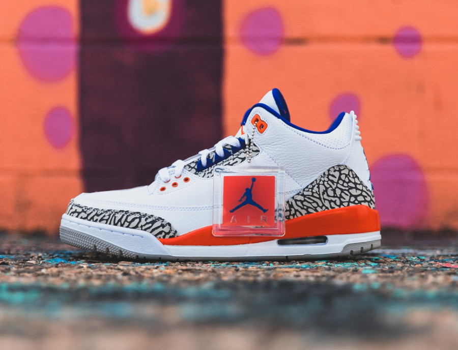 Air Jordan 3 blanche bleue et orange (2)