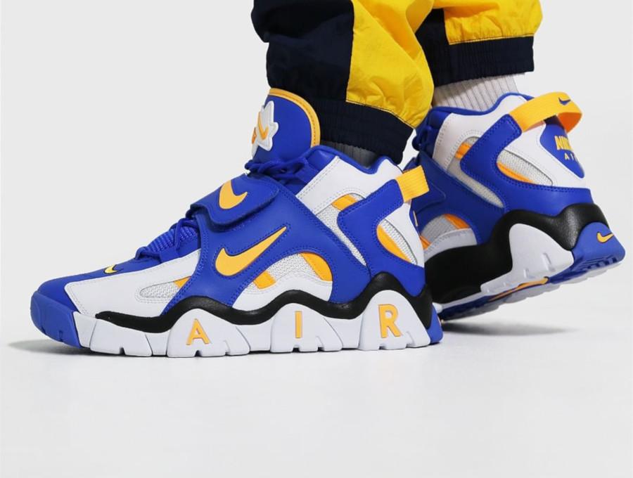 Nike Air Barrage Mid blanche bleue et jaune (4)