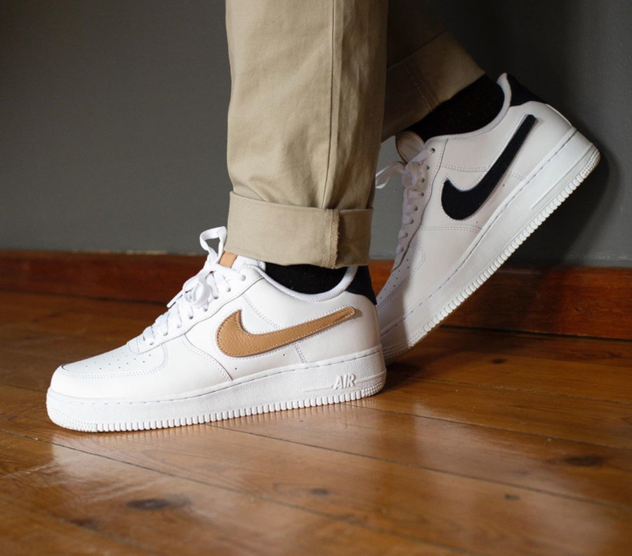 Nike Air Force 1 '07 LV8 blanche avec 3 swooshes interchangeables (5)