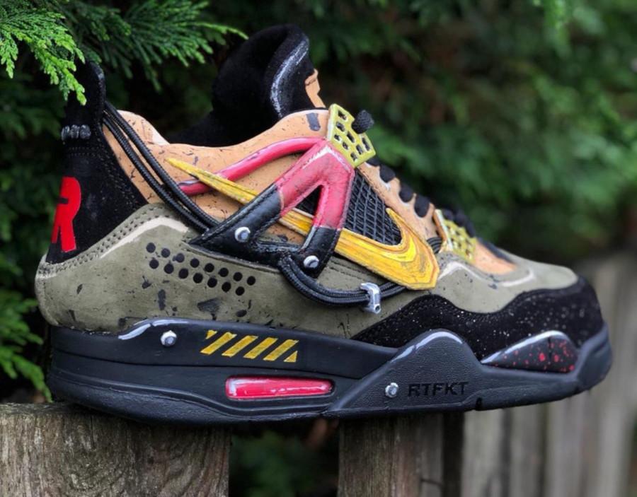 Nike Air Jordan 4 Bloodhounds (1)