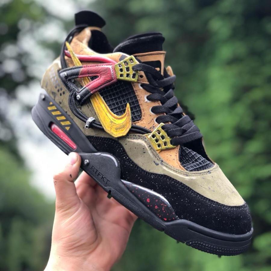 Nike Air Jordan 4 Bloodhounds (3)